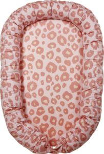 babynestje roze panterprint van het merk meyco